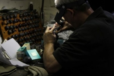 hand engraving chicago keepsake cremation jewelry