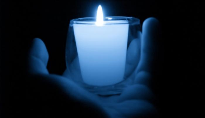 blue-memorial-candle